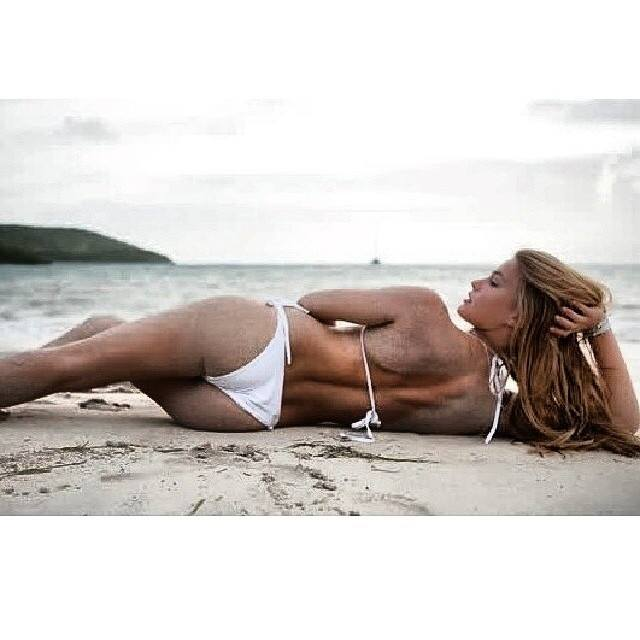 Bar Refaeli Top Posts 16