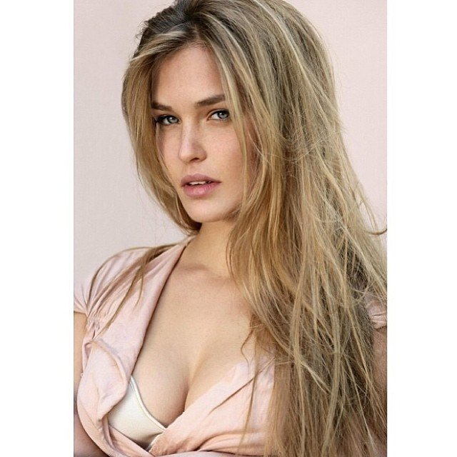Bar Refaeli Top Posts 18