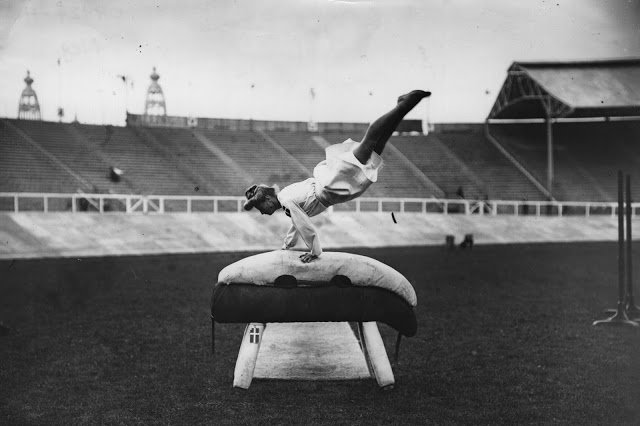 Old Sports 26 - London Olympics 1908 Pommel Horse