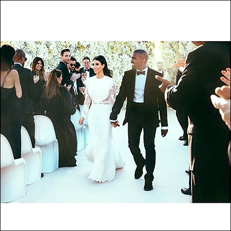1401202793_kim-kardashian-kanye-west-wedding-467