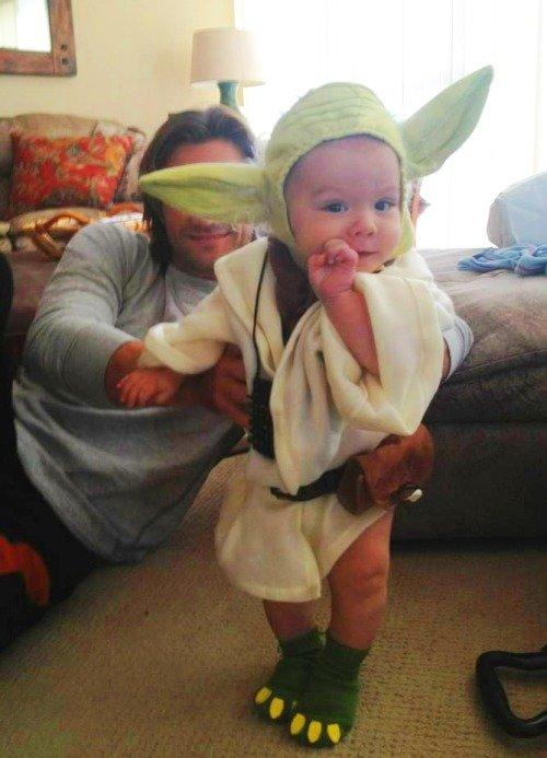 Baby Yoda Costume 16