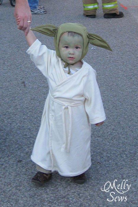 Baby Yoda Costume 19