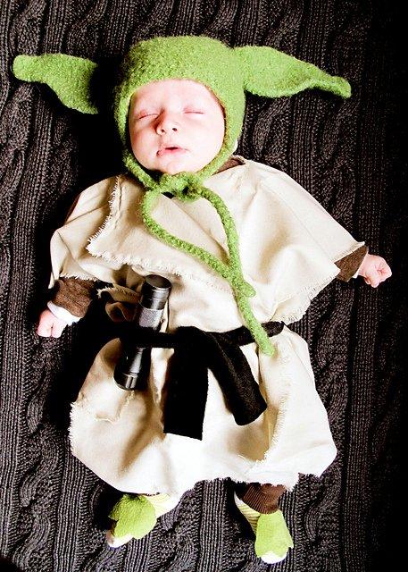 Baby Yoda Costume 4