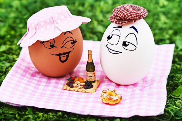 Funny Egg drawings 21 picnic