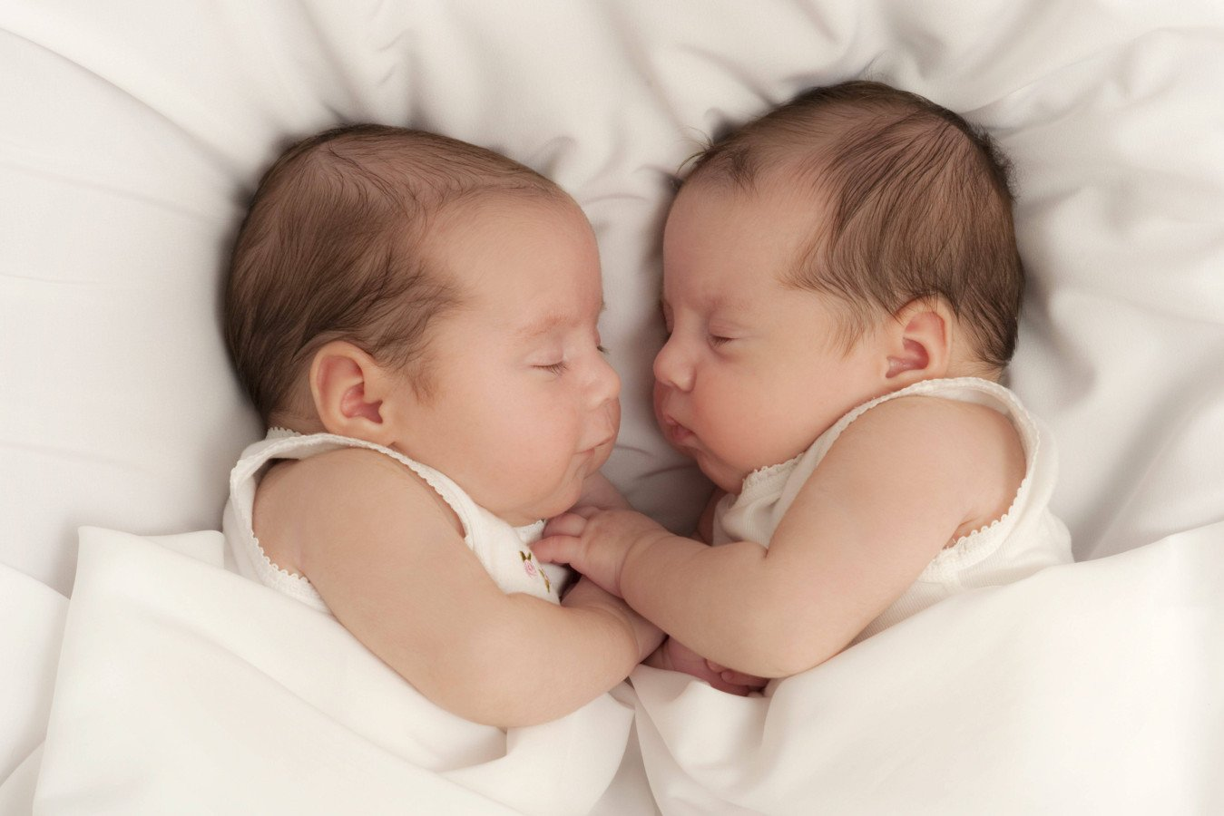 Twin Babies Sleeping 18