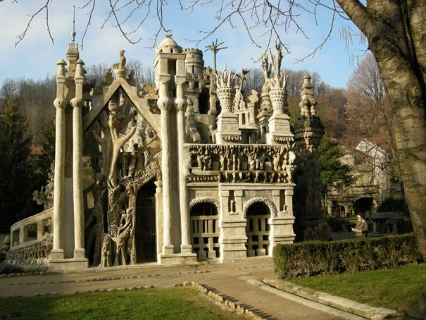 Ferdinand Cheval Palace a.k.a Ideal Palace (France) Amazing Building