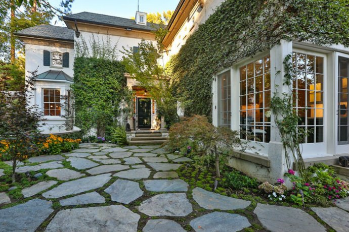JENNIFER LAWRENCE Young Celeb Homes