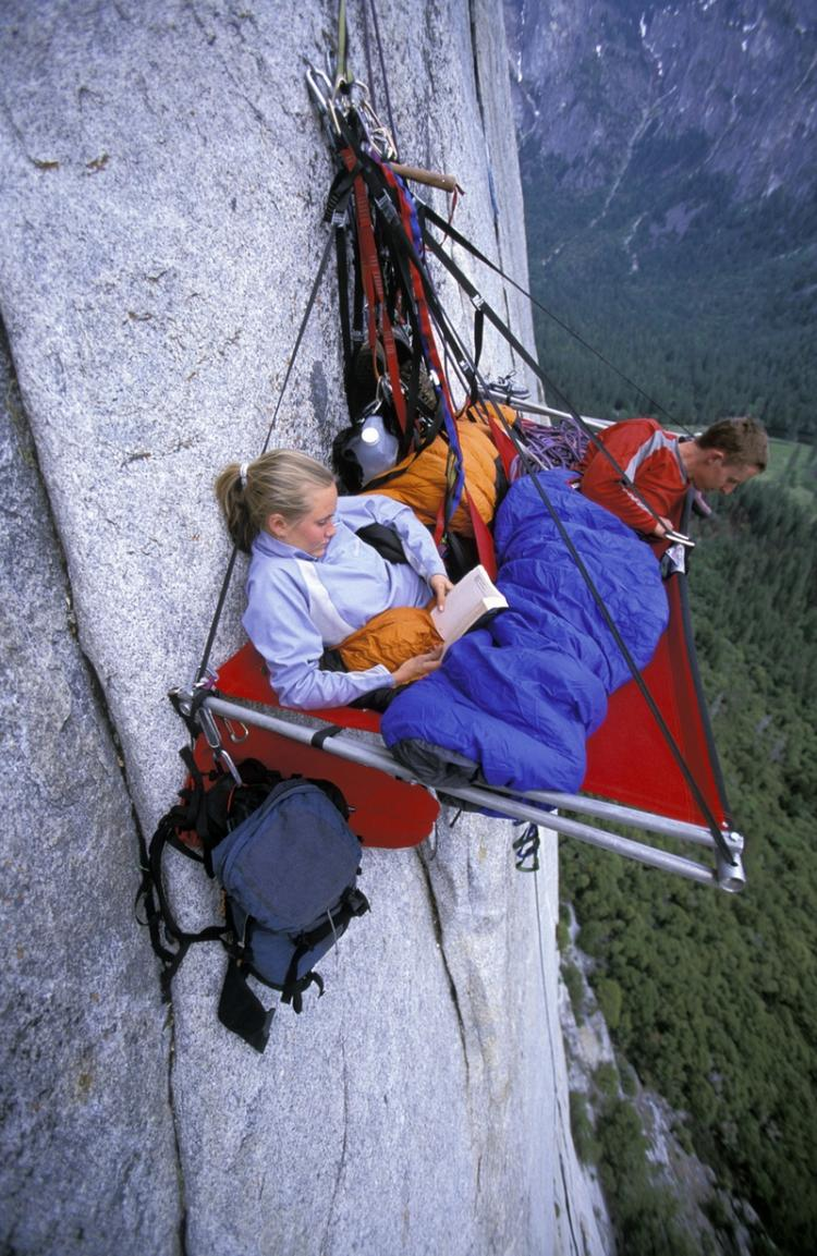 Portaledge camping at Yosemite High Place