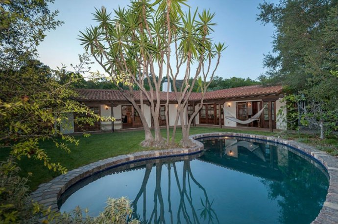 ROBERT PATTINSON Young Celeb Homes