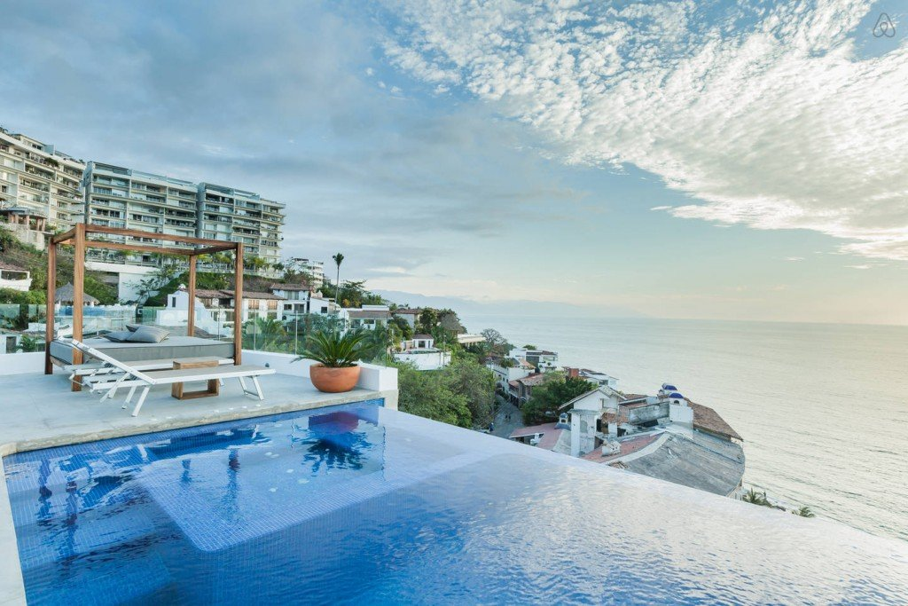 Romantic Amapas with Infinity Pool Romantic AirBNB