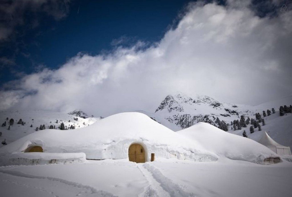 Spend the night in an Igloo Epic AirBNB