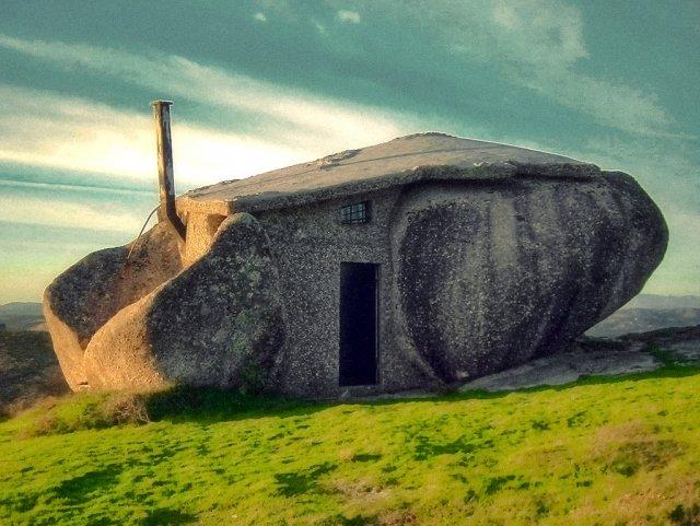 Stone House, Guimarães, Portugal Amazing Buildings