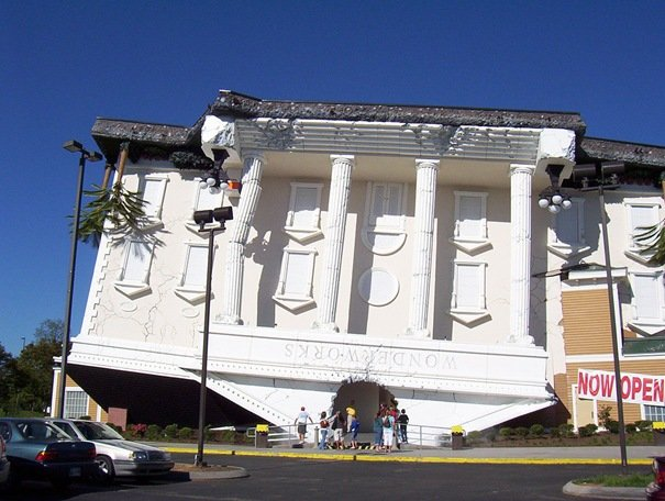 Wonderworks (Pigeon Forge, TN, United States) Amazing Buildings