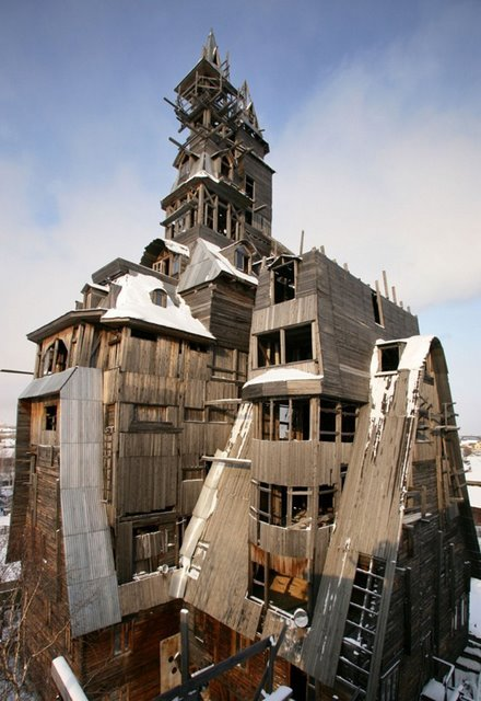 Wooden Gagster House, Archangelsk, Russia Amazing Buildings