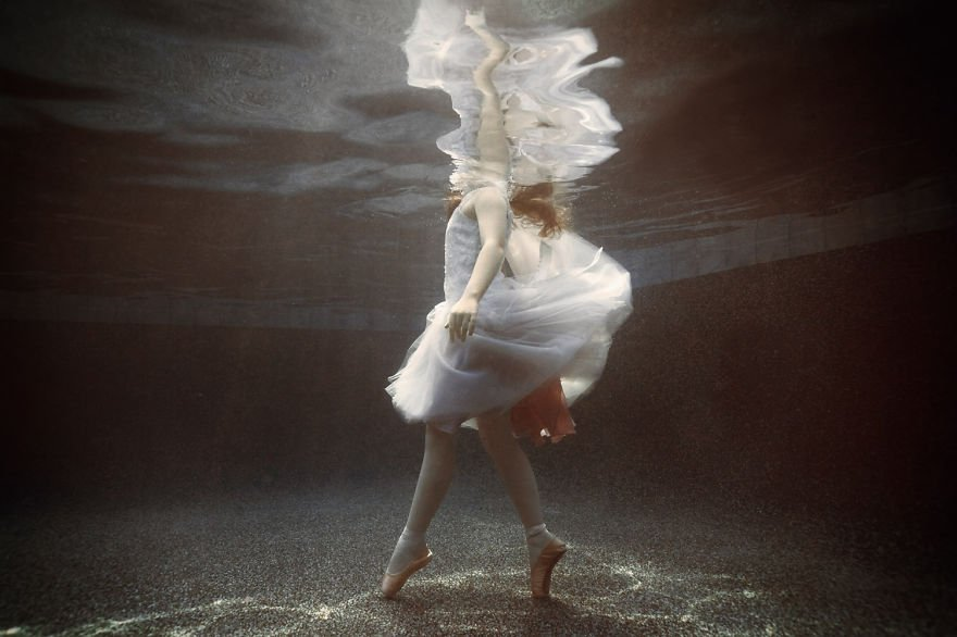 Ballet dancer (age 9) Little Underwater Dancers