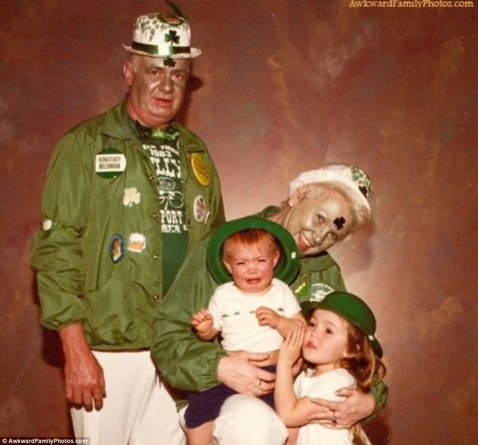 Green Fail Family Photo Fails