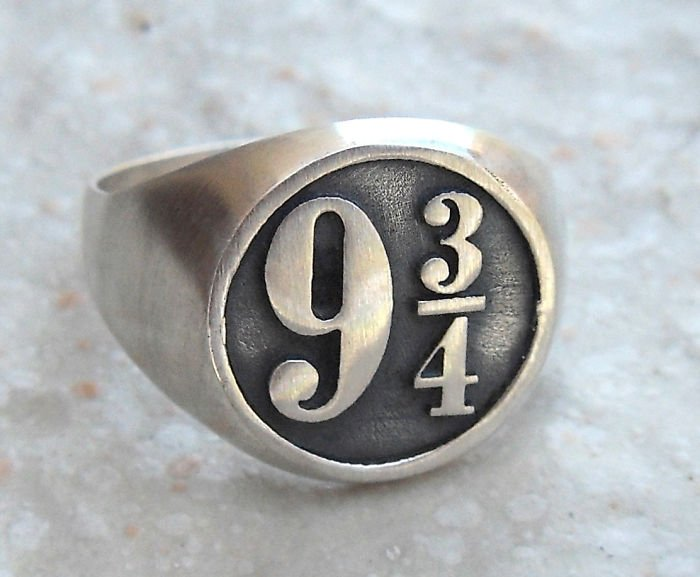 Harry Potter Platform 9 3-4 Ring Incredible Jewelries