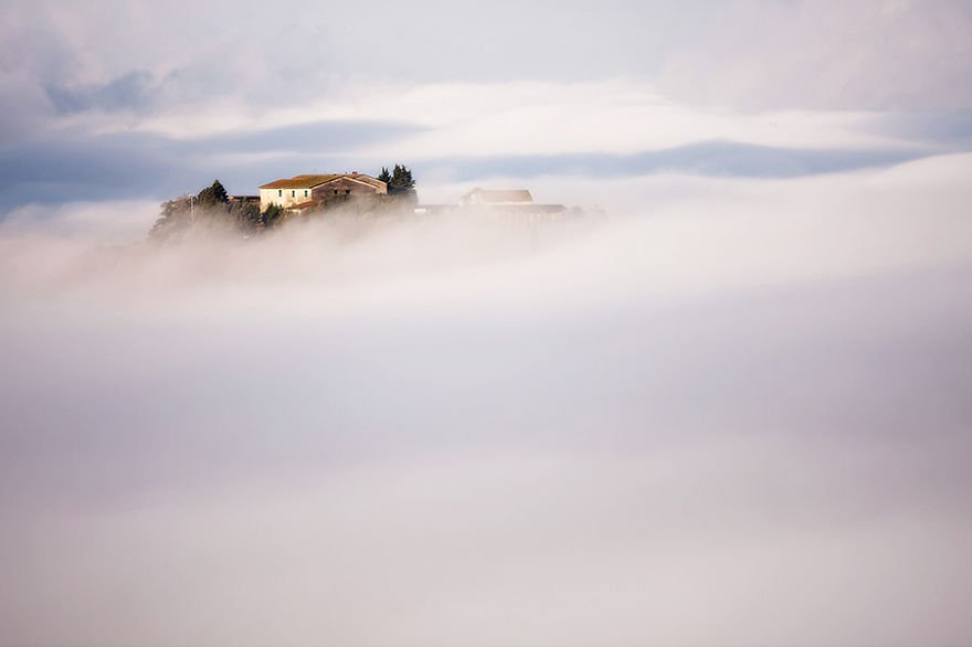 In heaven Tuscany – Italy Misty Villages