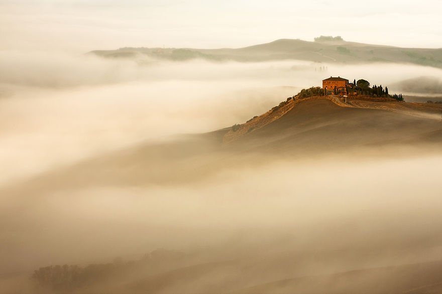 In the mist Tuscany – Italy Misty Villages