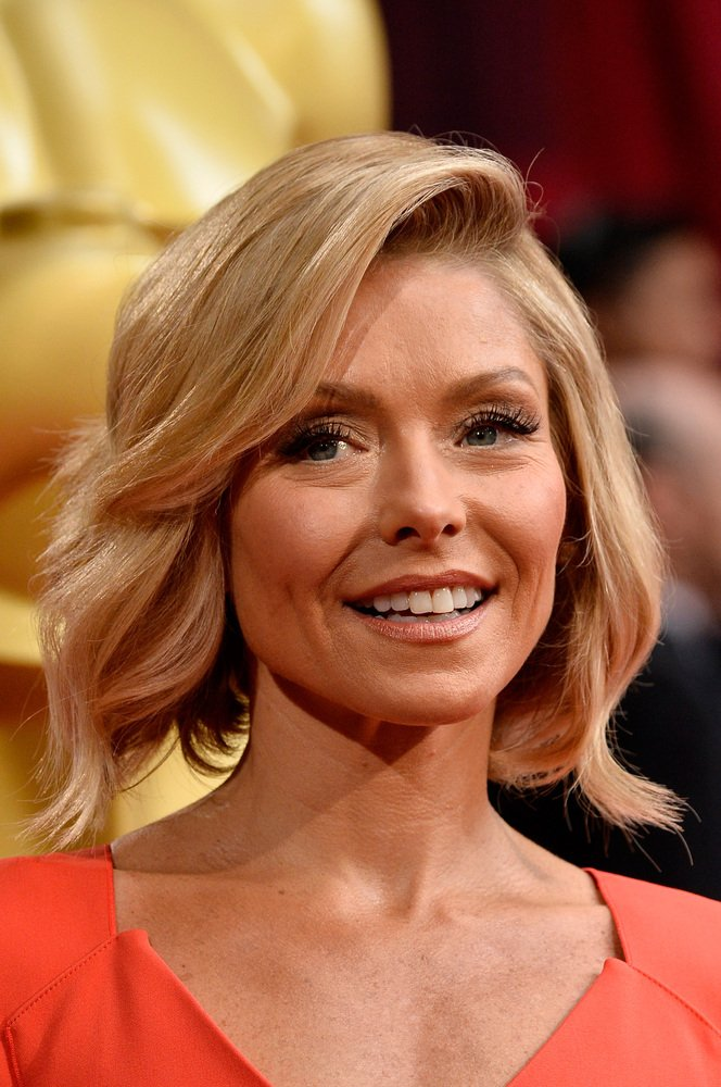 Kelly Ripa Celebrity Haircut