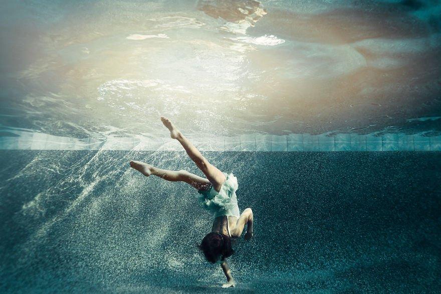 Modern dancer underwater (age 7) Little Underwater Dancers