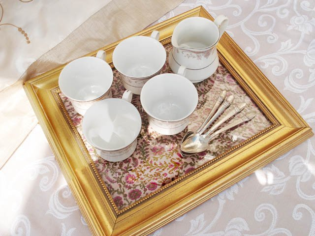 Old Picture Frame Tea Tray Upcycling