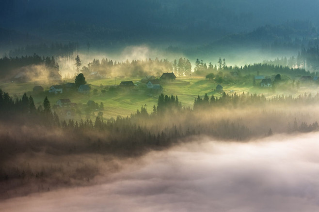 On the mountain glade Beskidy – Poland Misty Villages