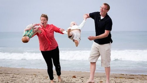 Swinging Fail Family Photo Fails