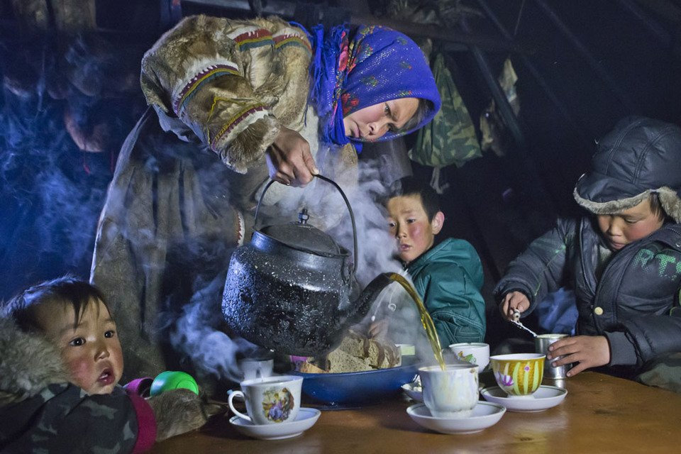 TEA TIME ON THE YAMAL PENINSULA Human Diversity