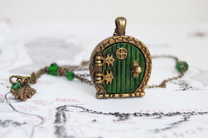 The Hobbit Necklace Incredible Jewelries