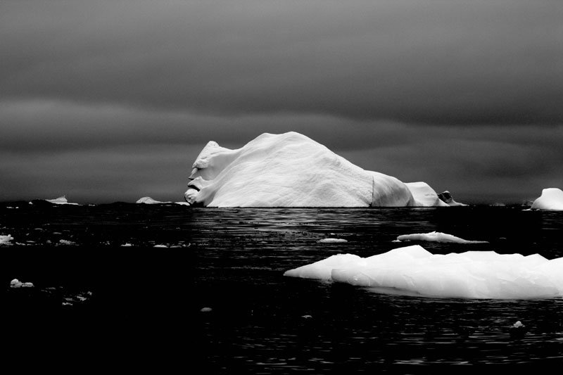 This is what a titanic killer Iceberg looks Great Photos