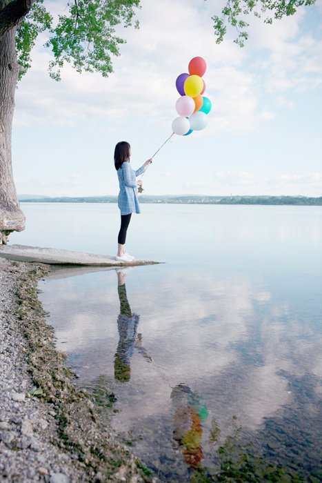 Amazing Girl With Balloons Water Reflection