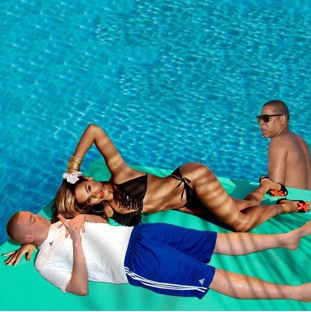Beyonce sunbathing with Peejet Funny Photoshop