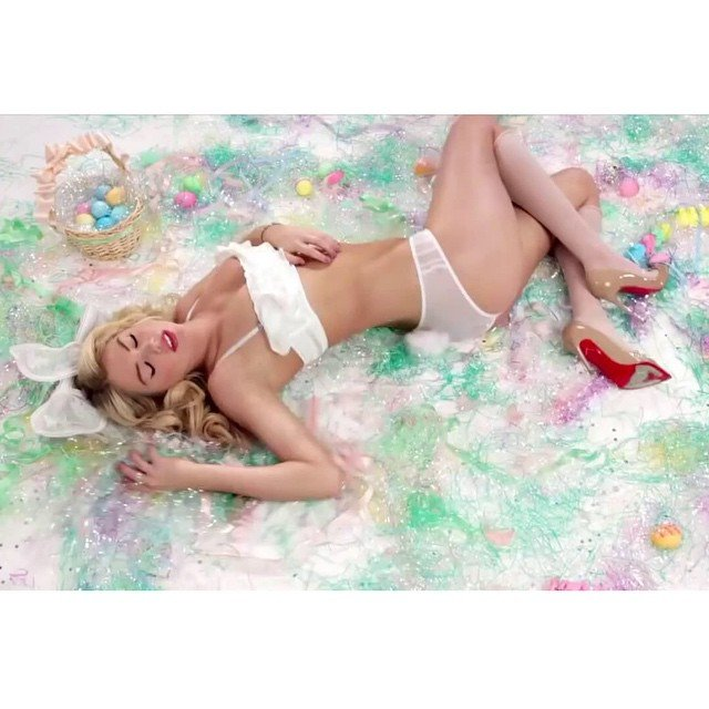 Easter Bunny is damn too hot!! Kate Upton