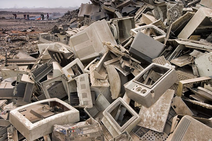 Land of Electronic Trash (Accra - Ghana) Overpopulation