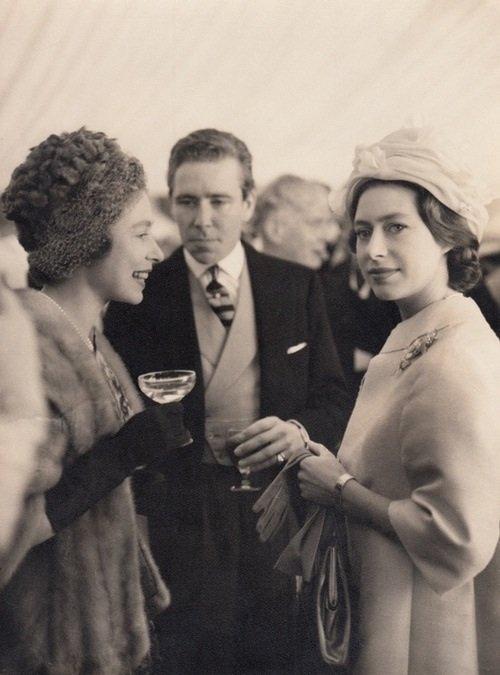 Princess Margaret and Queen Elizabeth Rare Photos