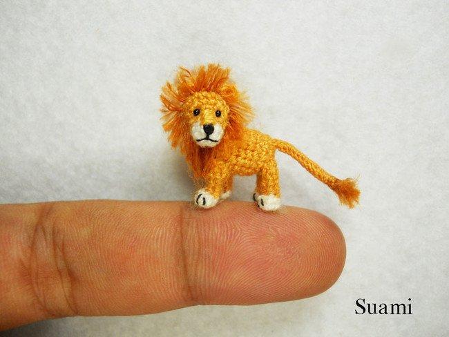 Sad Lion Tiny Crochet