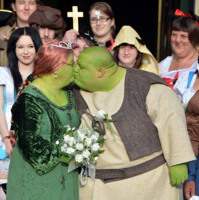 Shrek and Fiona's Family Popular photographs