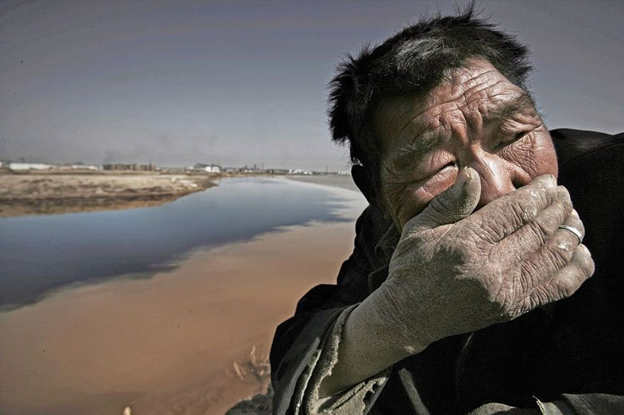 Stinky Smell, hard to breathe (Yellow River - Mongolia Overpopulation