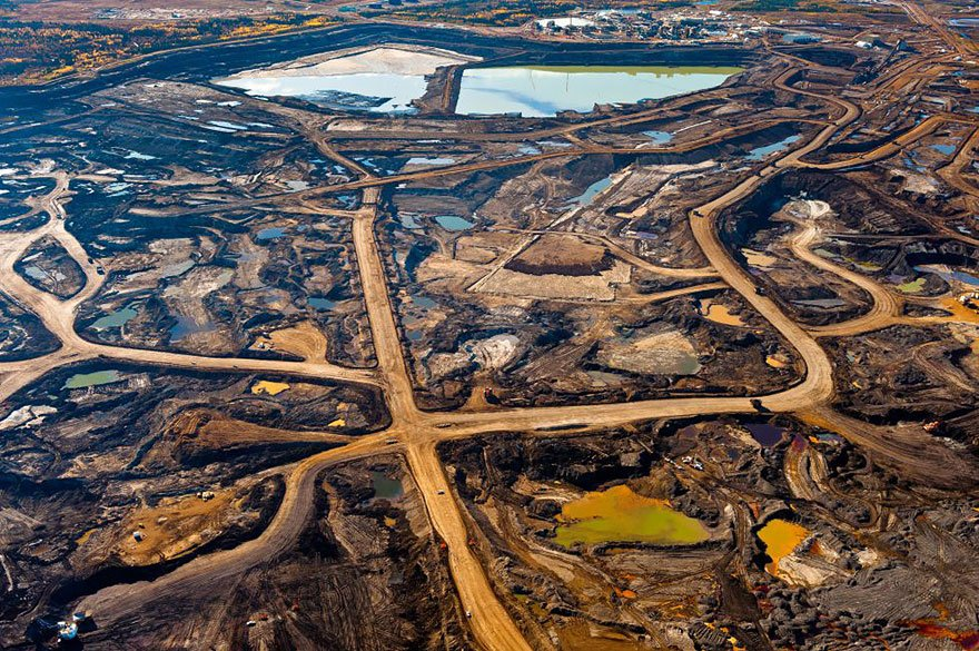 Tar mine, limitless mining and toxic wastes (Alberta - Canada) Overpopulation
