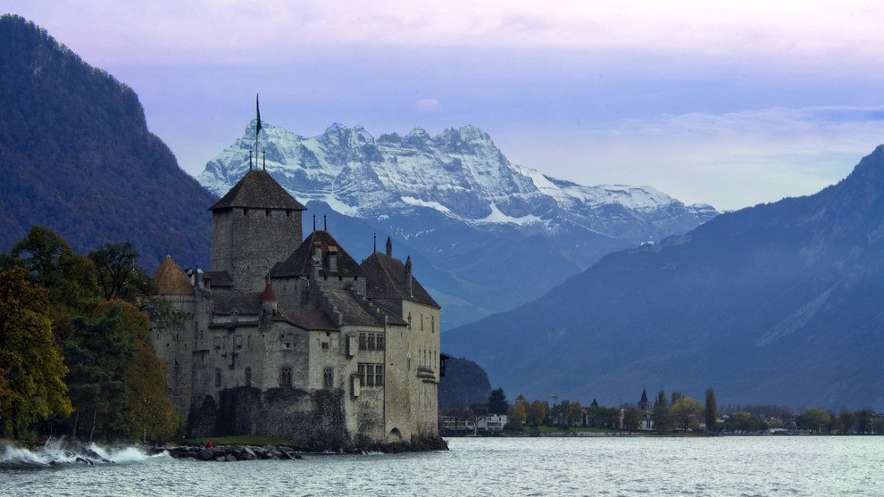 lakeside heritage Stunning Switzerland