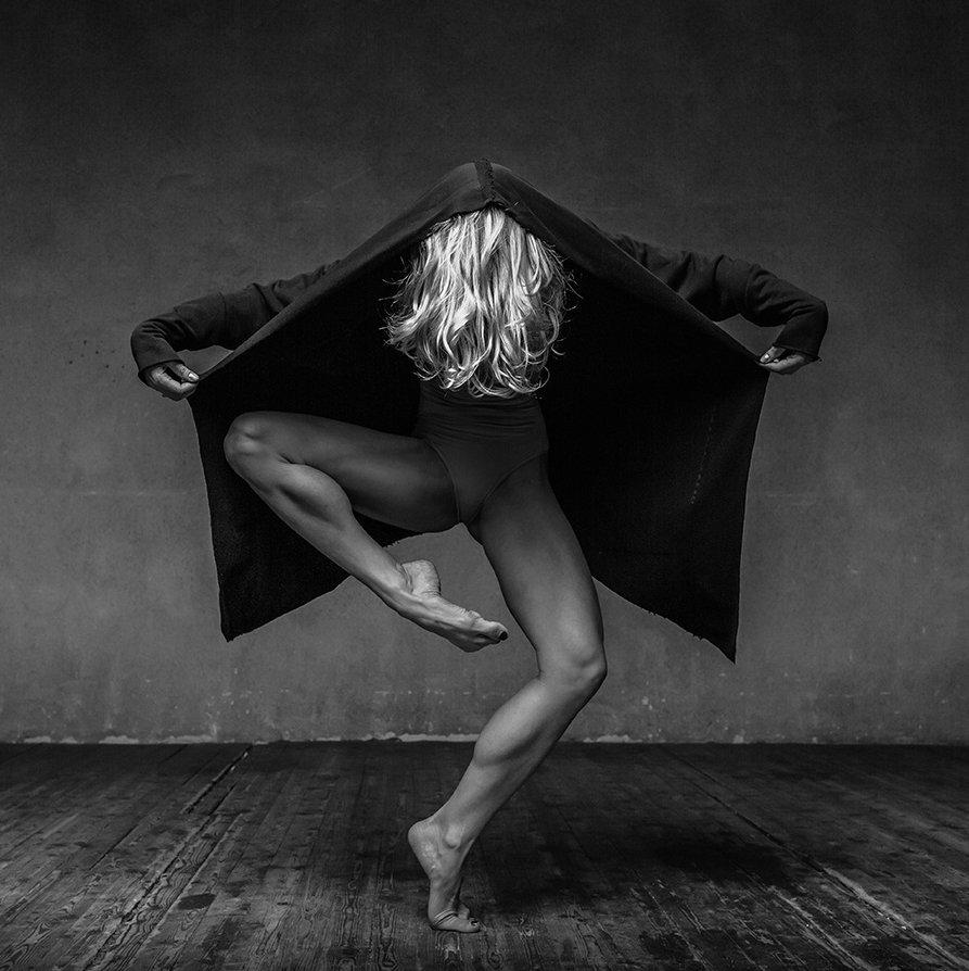Dance Photography 17 weird coat