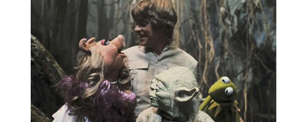 Star Wars Secrets - The Empire Strikes Back - Yoda Luke Piggy