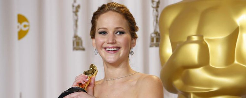 The Hunger Games Revealed - Jennifer Lawrence with Oscar
