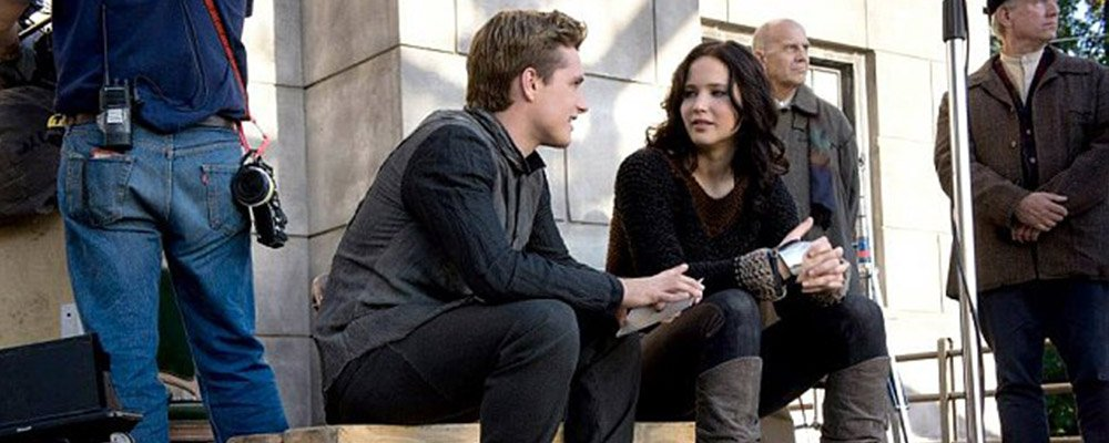 The Hunger Games Revealed - Katniss and Peeta Behind the Scenes