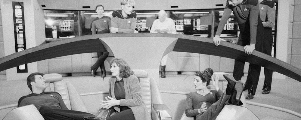 Star Trek the Next Generation Tales Form the Set - Cast on Bridge
