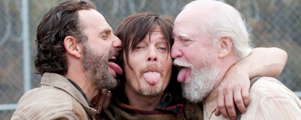 The Walking Dead Surprising Stories From Behind The Scenes - Rick Daryl Hershel Licking