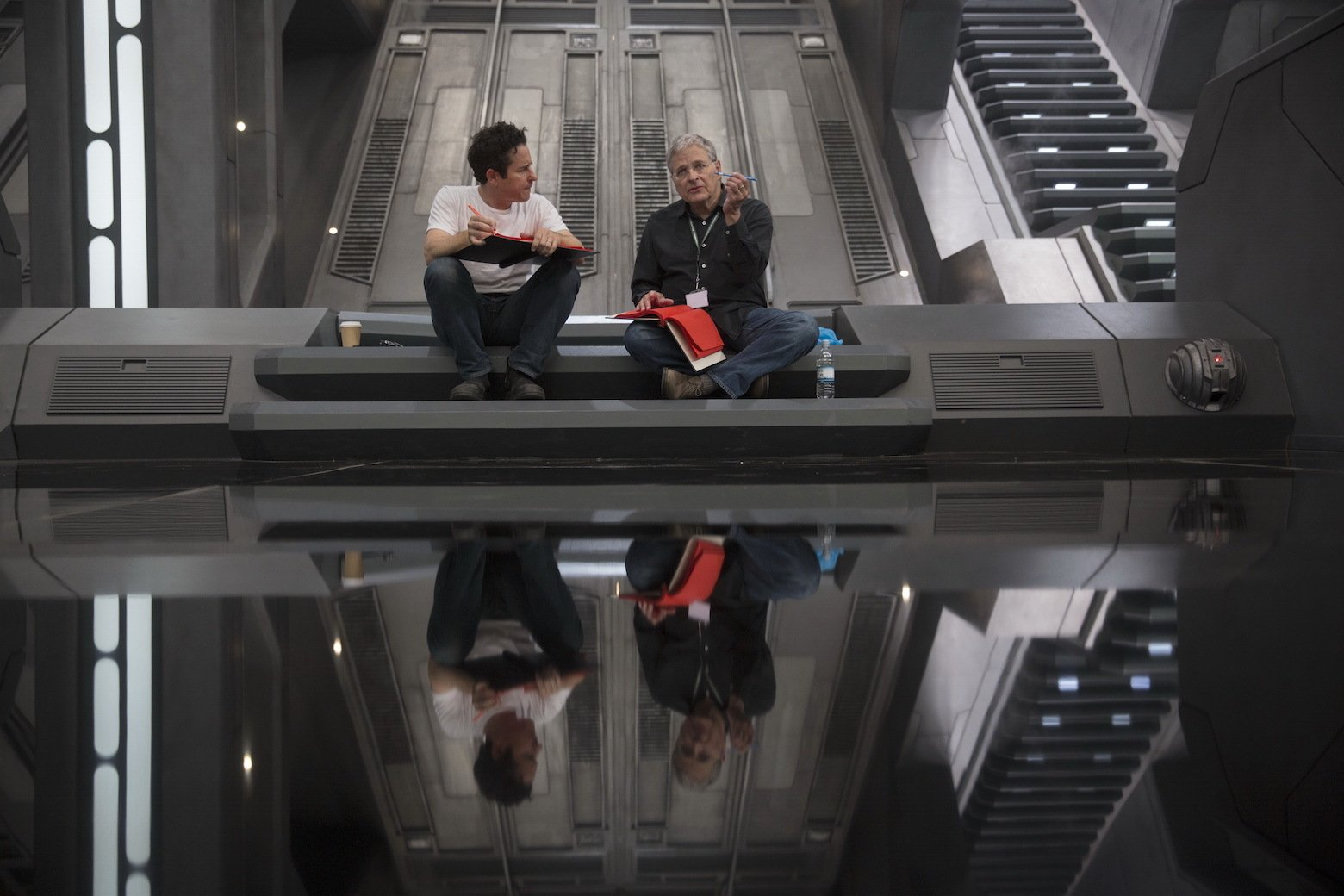 Star Wars VII The Force Awakens 11 - JJ Abrams and Lawrence Kasdan on set
