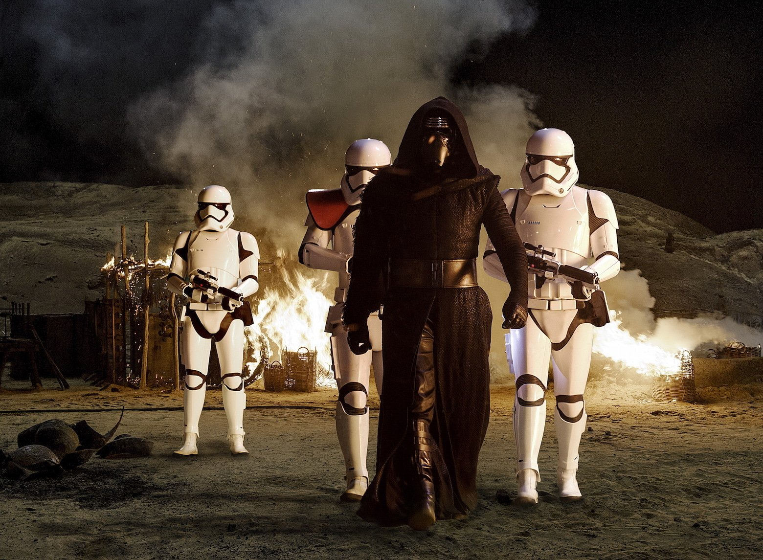 Star Wars VII The Force Awakens 12 - Kylo Ren and Stormtroopers
