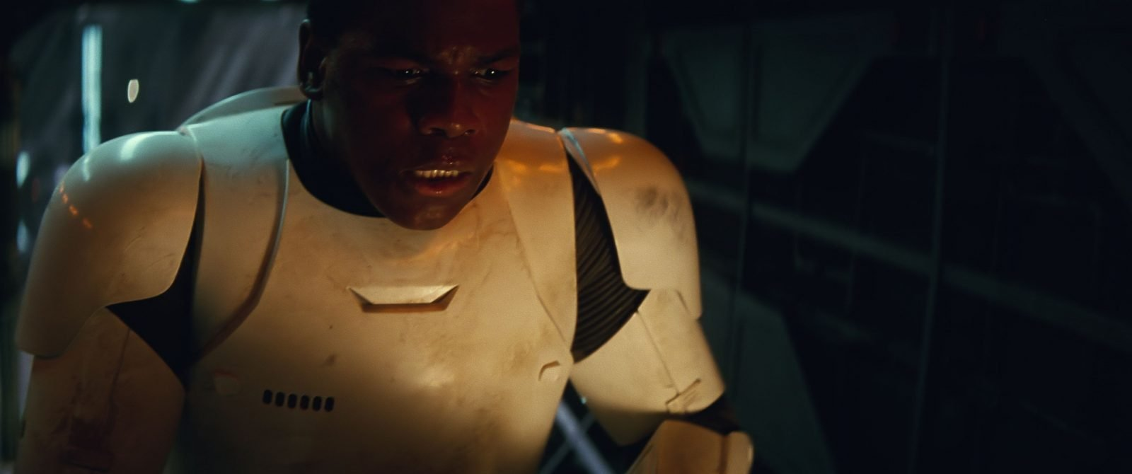 Star Wars VII The Force Awakens 25 - Finn in stormtrooper armor